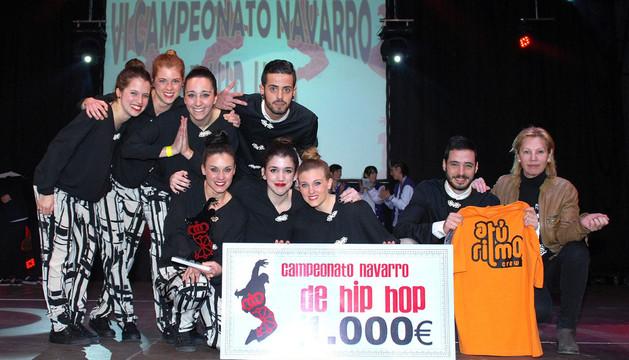 Integrantes del grupo A tu ritmo Crew, ganador del certamen