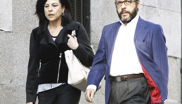 Álvaro Pérez, 'El Bigotes', acompañado por su abogada, Ángela Coquillat, a su llegada a la Audiencia Nacional