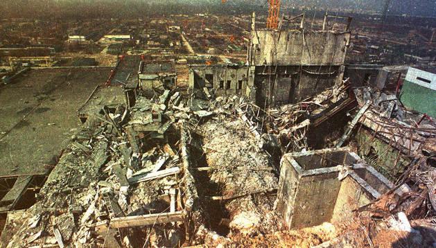 Vista área del cuarto reactor de la central nuclear de Chernóbil
