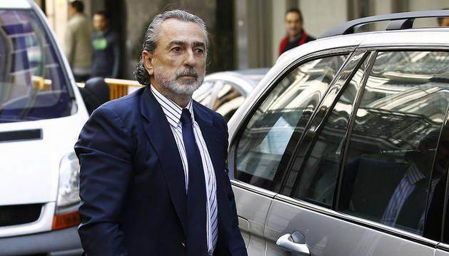 Francisco Correa, presunto cabecilla de la trama Gürtel, a su llegada a la Audiencia Nacional este jueves