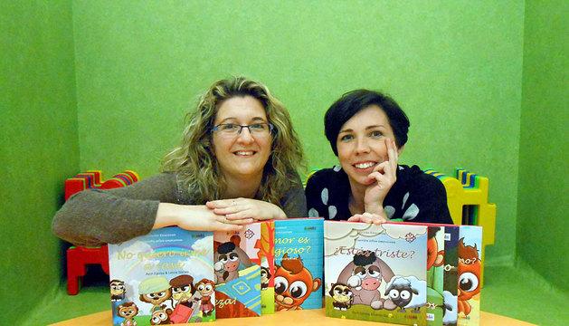 La pedagoga Leticia Garcés y la periodista Asun Egurza (dcha)