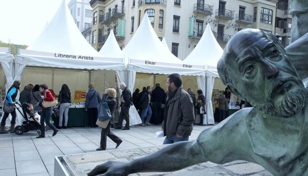 En una pasada edición del Día del Libro, en Carlos III de Pamplona