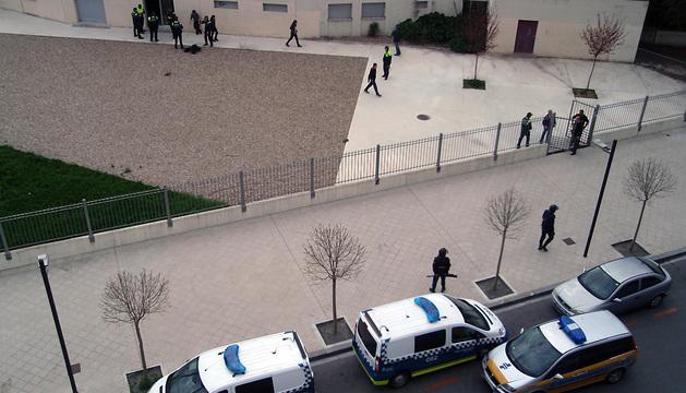 Varios policías en el lugar del suceso