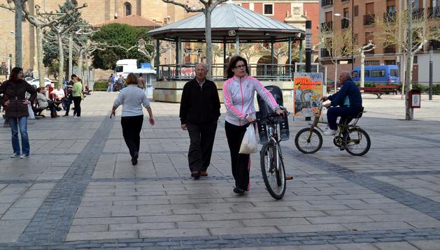 Uno de los puntos de estacionamiento para bicis se localizará en el céntrico Paseo de Lodosa