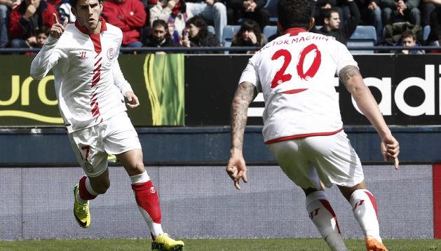 Jairo celebra el primer gol del Sevilla ante Osasuna