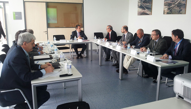 Un momento de la reunión en la que se constituyó el Comité de Coordinación Aeroportuaria de Navarra