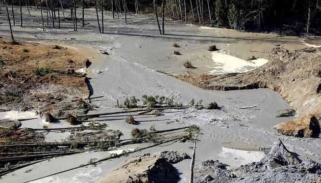 La angustia y la incertidumbre crecen en el cuarto día de búsqueda tras el deslizamiento de tierras ocurrido el sábado en una población rural cercana a Seattle (en el Estado de Washington), donde la catástrofe ha causado 14 muertos y 176 desaparecidos.