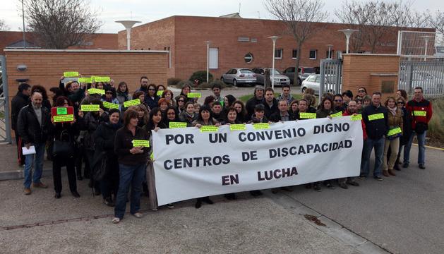 Concentración de trabajadores que tuvo lugar en el centro Atalaya de Tudela