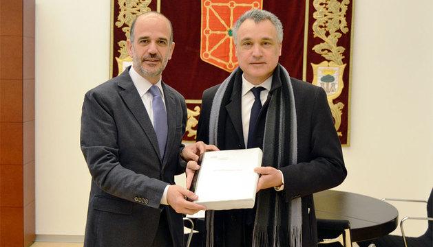 Catalán, junto a Javier Enériz.