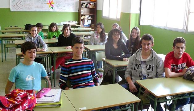 Alumnos y profesores que integran los equipos para el concurso.