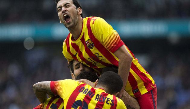 Los jugadores del Barça celebran el único gol del partido