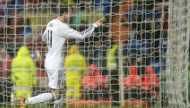 Gareth Bale celebra uno de los tantos marcados al Rayo Vallecano