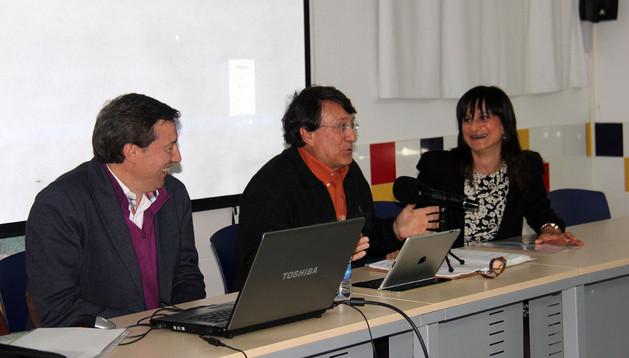 De izda. a dcha.: Rafael Rodríguez, Joaquín Araujo y Raquel Garbayo