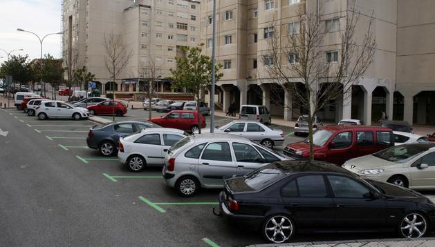 Plazas de aparcamiento regulado en la avenida plaza Norte de Barañáin