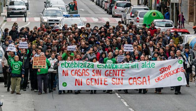 Un momento de la manifestación que recorrió todo el centro de Estella