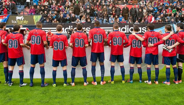 Los jugadores de Osasuna, con el dorsal 90