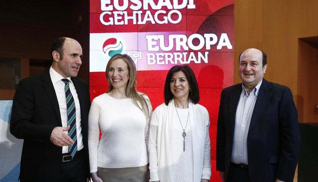 Izaskun Bilbao, Izaskun Goñi, Manu Ayerdi y Andoni Ortuzar