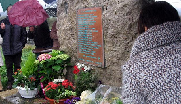 Monumento en recuerdo de las víctimas del accidente de tren.