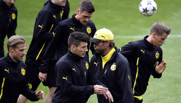 Entrenamiento del Borussia Dortmund en el Santiago Bernabéu.