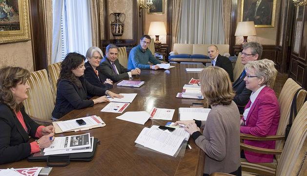 Reunión con el comisario europeo de empleo, Lázsló Andor (derecha).