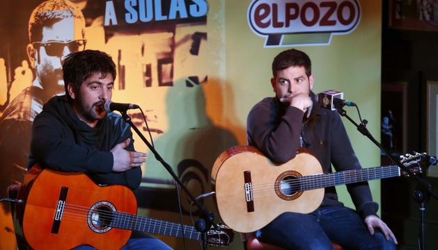 Los hermanos David y José Muñoz, los Estopa, en el Hard Rock Café de Madrid
