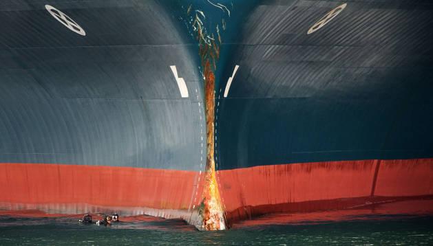 El mercante de transporte de vehículos Baltic Breeze que chocó con un pesquero en la entrada de la ría viguesa