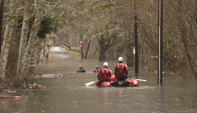 Equipos de rescate buscan a desparecidos tras el alud de Washington