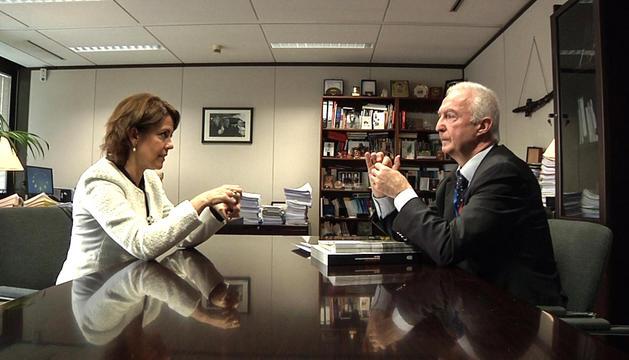 Giles de Kerchove con Yolanda Barcina