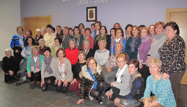El grupo de mujeres que participó el sábado en los actos que se programaron para ellas en Azuelo