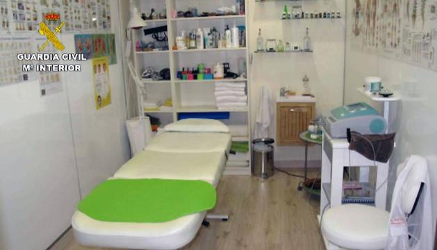 Uno de los centros de masaje que ha inspeccionado la Guardia Civil