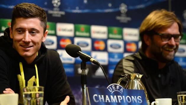 Lewandowski y Klopp, en la rueda de prensa previa