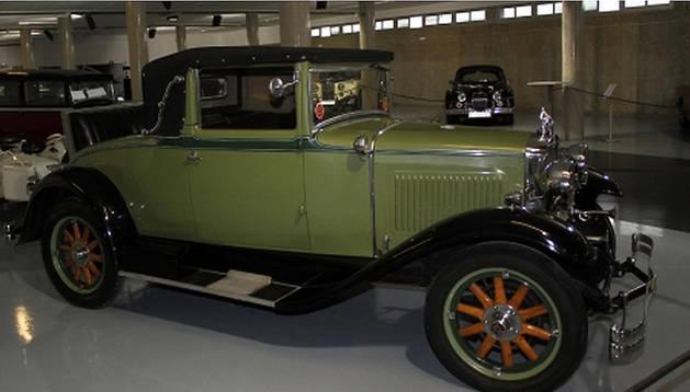 Varios de los vehículos de la colección, expuestos hasta ahora en el Circuito de Los Arcos.