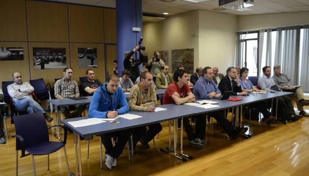 Participantes en la Mesa del Encierro de este lunes.