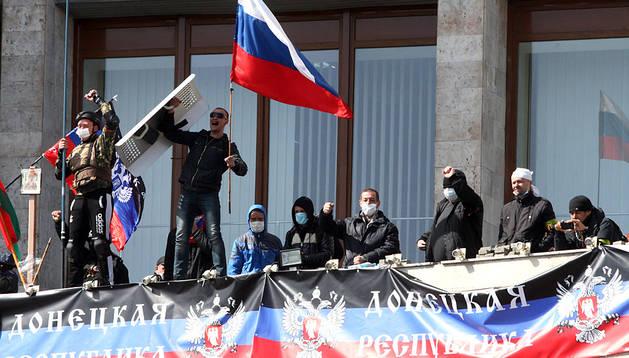 Activistas prorrusos en Donetsk