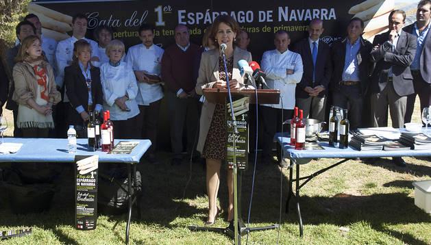 La Presidenta Barcina, en la cata de espárragos celebrada en Cadreita