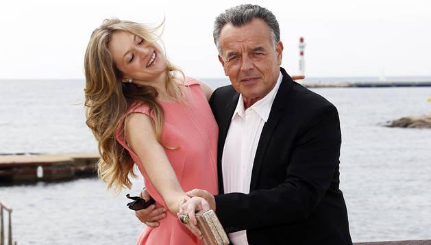 Los actores Marin Ireland (izda.) y Ray Wise, en la feria MIPTV de Cannes
