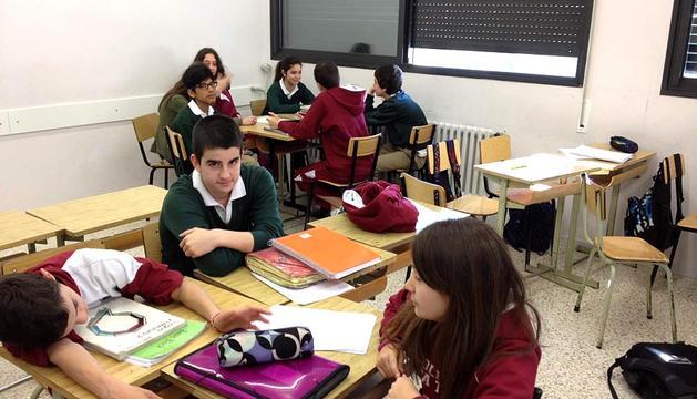 Los alumnos trabajan en sus entrevistas.