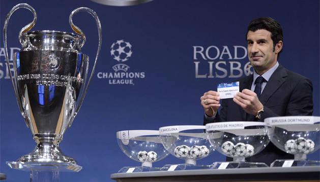 Luis Figo, en el sorteo de cuartos de final de la Champions