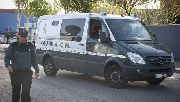 El furgón de la Guardia Civil en el que Bárcenas ha llegado a declarar