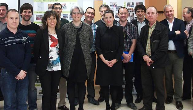 Lourdes Goicoechea, junto a los empresarios de la Zona Media