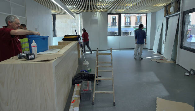 Pamplona estrena su primera oficina municipal estable de for Oficina turismo pamplona