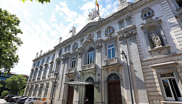 Fachada del Tribunal Supremo, encargado de juzgar a los miembros del Gobierno de Navarra.jonan basterra