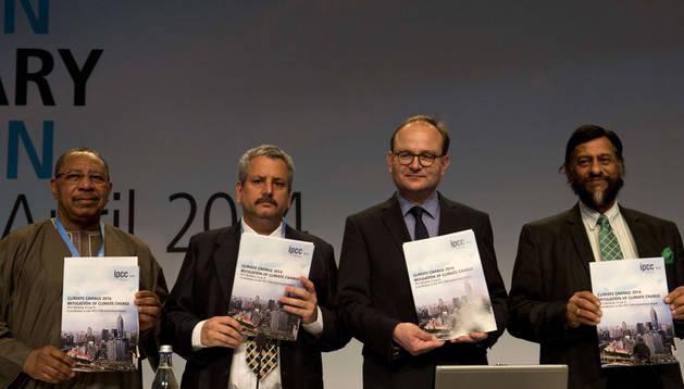 Miembros del Grupo Intergubernamental de Expertos sobre el Cambio Climático en Berlín