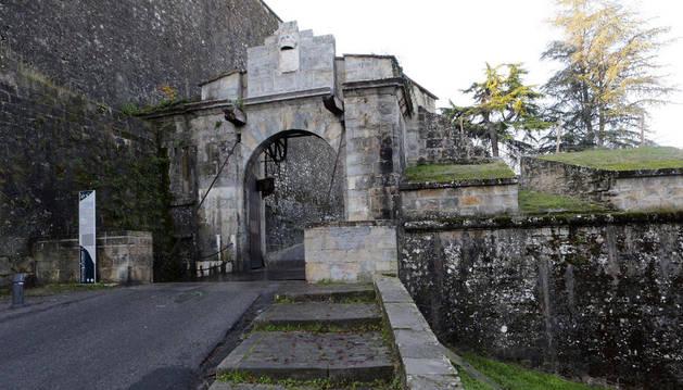 El Portal de Francia, una de las paradas de las visitas guiadas.