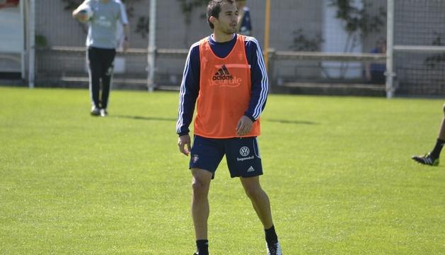 Osasuna se ejercitó este miércoles para preparar el partido del sábado ante el Valencia. Lo hizo sin Lolo, que se ejercitó al margen, pero recuperó a Armenteros, que se entrenó con el grupo.