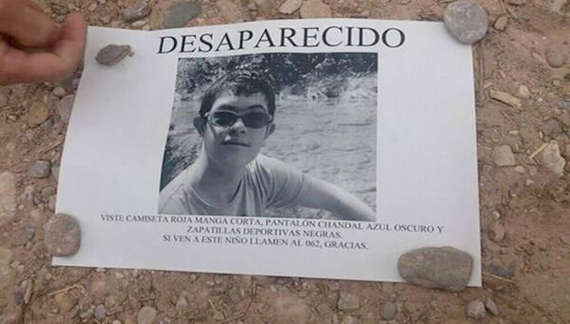 El cartel distribuido por la familia para encontrar al joven desaparecido en la Sierra de Cazorla