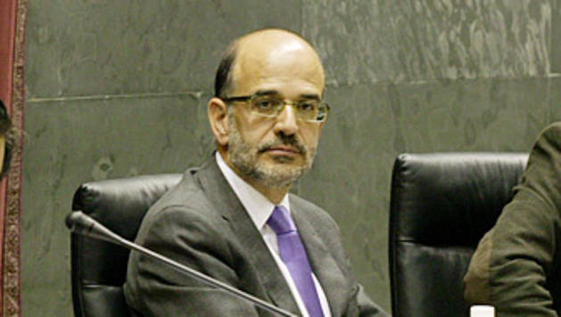 Alberto Catalán, entre los europarlamentarios Inés Ayala (PSE), Pablo Zalba (PPE) e Iñaki Irazabalbeitia (Aralar).