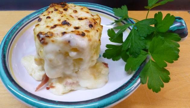 Patatas rellenas al gratén