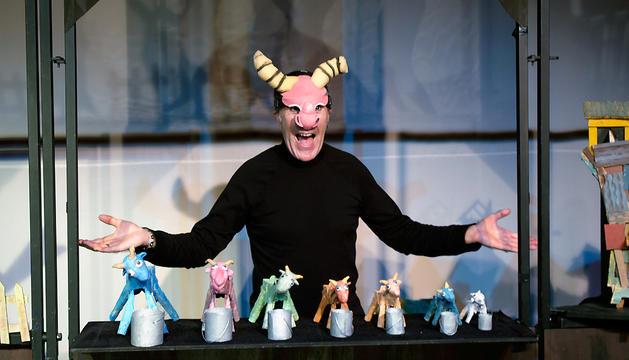La obra que pondrá en escena Colectivo Humo el 25 de abril en Civivox San Jorge será 'Hambre de lobo'