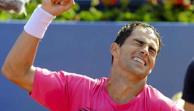 Giraldo celebra su victoria.
